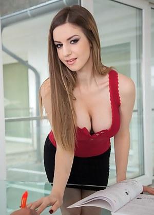 Free Teen Secretary Porn Pictures