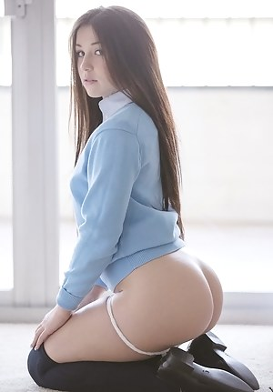 Free Teen on Knees Porn Pictures